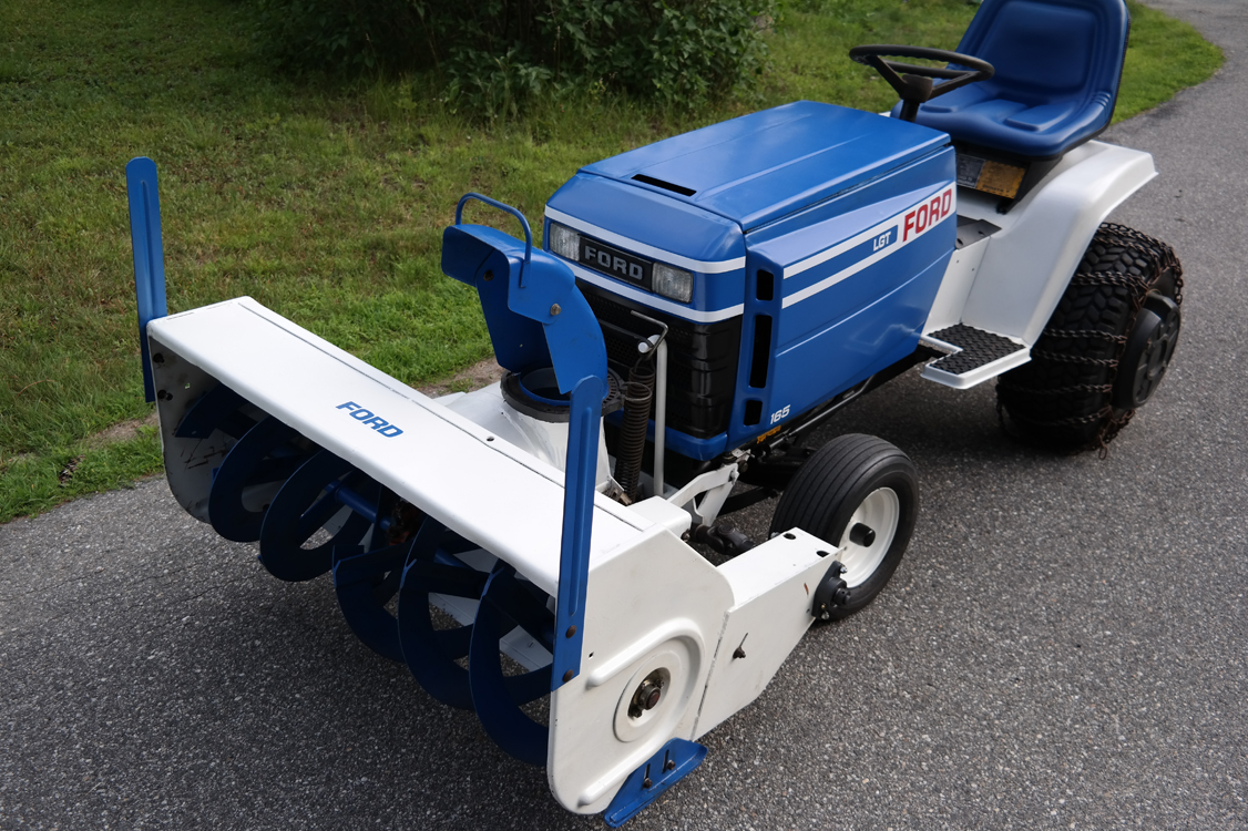 ford-lgt-165-snowblower-low-res.jpg